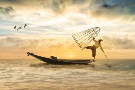 salud-bioenergetica-hombre-pescando-salud-bioenergetica-ana-maria-oliva-ID160433-620x413